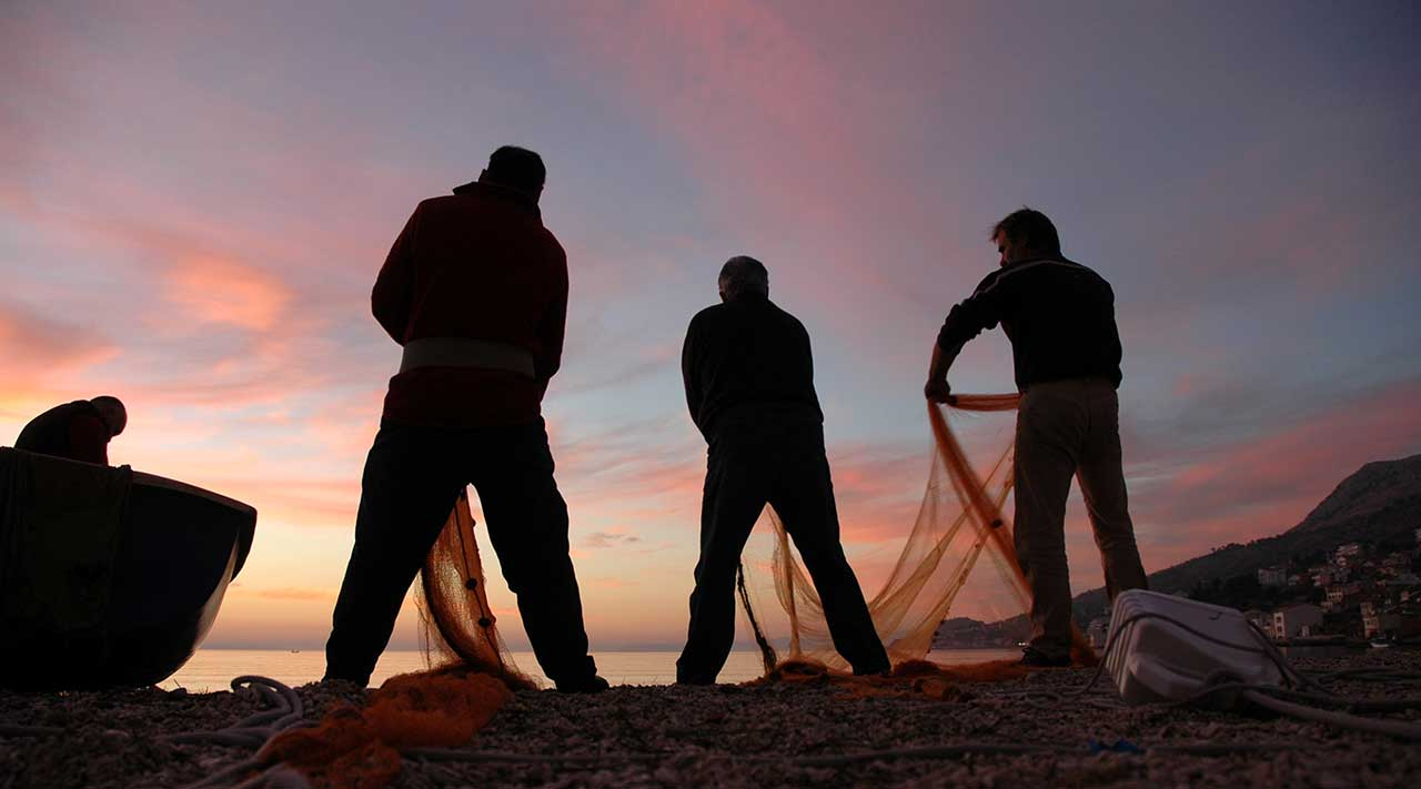 DUGI RAT - Fishing nets at dusk